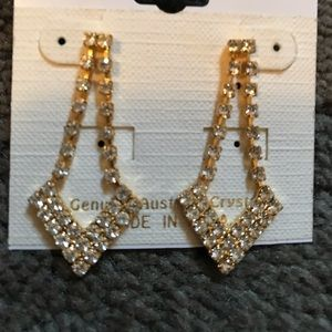 Jewelry - Gold color earrings with crystals